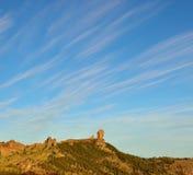Intensiv himmel på naturligt parkerar Roque Nublo, Gran canaria Fotografering för Bildbyråer