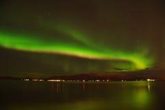 Intensive Nordleuchten, Island lizenzfreie stockfotos