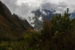 Intensivt molnbildande längs Inca Trail fotografering för bildbyråer