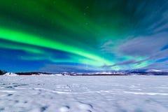 Intensywny pokaz Północnych świateł zorzy borealis Fotografia Stock