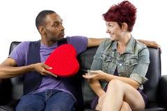 Inter--ras- par på valentindag Royaltyfria Bilder