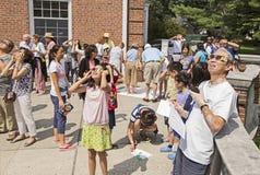 Interação com o eclipse solar de 2017 Imagens de Stock