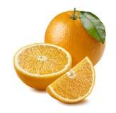Intera foglia arancio, mezzo, pezzo quarto isolato sul backgro bianco Immagine Stock