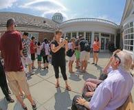 Interagendo con l'eclissi solare di 2017 Fotografia Stock Libera da Diritti