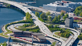 Intercâmbio da estrada/autoestrada em Bergen, Noruega fotografia de stock
