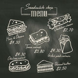Intercale el dibujo del menú del garabato en fondo del tablero de tiza Imagen de archivo