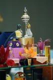 Intercharm XXI Międzynarodowa mydlarnia i kosmetyka Moskwa jesieni Powystawowi kosmetyki, pachnidła, toaletowa woda w eleganckich Fotografia Royalty Free