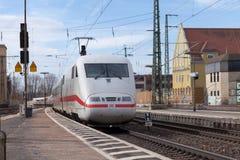 Intercity-εκφράστε το τραίνο από το σταθμό τρένου περασμάτων Deutsche Bahn fuerth στη Γερμανία Στοκ Εικόνες