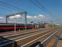 Intercity τραίνο Frecciarossa στοκ εικόνες