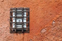Intercomunicador mexicano oxidado viejo fotografía de archivo