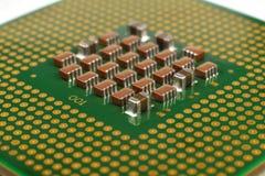 interconnected framtida information om det centrala begreppet microchipen som behandlar processorn som mottar överföra teknologie arkivfoto