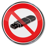 Interdiction pour des USB-bâtons Photos libres de droits
