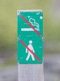 Interdit pour marcher et pour fumer ici - l'Islande Photos libres de droits