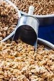 Intere noci al mercato locale, Adalia, Turchia Fotografie Stock Libere da Diritti