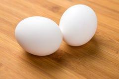 Intere uova bianche Fotografie Stock