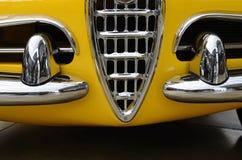 Interessant ontwerp van oude auto met originele koplamp en bumper Stock Afbeelding
