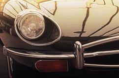 Interessant ontwerp van oude auto met originele koplamp en bumper Royalty-vrije Stock Afbeelding
