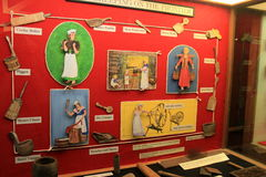 Interessante Ausstellung auf Hausarbeit auf der Grenze während der amerikanischen Revolution, Fort Ticonderoga, New York, 2016 Lizenzfreie Stockfotos