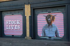 Interessante Straßenkunst auf alten Garagentoren, Rochester, New York, 2017 Lizenzfreies Stockbild