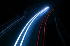 Interessante und abstrakte Leuchten in Rotem und in Blauem Lizenzfreies Stockfoto