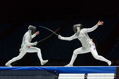 Interessanter Kampf auf Meisterschaft der Welt beim Fechten Stockfoto