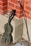 Interessantes Musikinstrument, eins von vielen gesehen in den gelegentlichen Plätzen um die Stadt, Saratoga, New York, 2018 Lizenzfreies Stockfoto