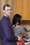 Interessierender Ehemann Lizenzfreie Stockfotografie