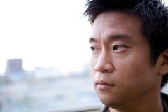 азиатский человек interestng Стоковые Фотографии RF