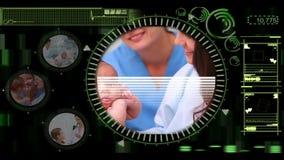 Interfaccia medica che mostra le varie clip di medici con i pazienti stock footage