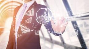 Interface émouvante de technologie d'homme d'affaires avec des affaires et le fina Images stock