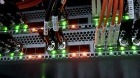 Interfaz del conector óptico de la fibra Bombillas que destellan Red de ordenadores de la tecnología de la información, fibra de  almacen de video