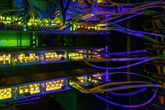 Interfaz del conector óptico de la fibra Red de ordenadores de la tecnología de la información foto de archivo libre de regalías