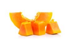 Interi frutti della papaia su fondo bianco Fotografie Stock