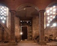 Interier της εγκαταλειμμένης εκκλησίας Υπόγειος θάλαμος apse Στοκ φωτογραφία με δικαίωμα ελεύθερης χρήσης