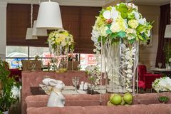 Interior à moda do restaurante moderno fotos de stock royalty free