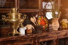 Interior étnico original do restaurante Projeto tradicional Estilo rural ucraniano e decorações Europa, Ucrânia Fotografia de Stock Royalty Free