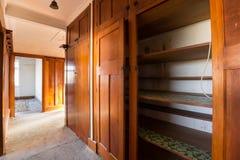 Interior abandonado de la casa Foto de archivo