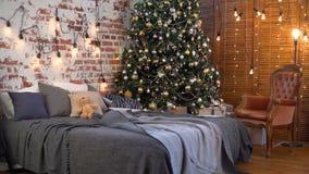 Interior acogedor de la Navidad almacen de metraje de vídeo