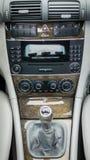 Interior alemán lujoso del coche, palanca de engranaje 6, control de la temperatura, unidad del tablero de instrumentos Imagen de archivo