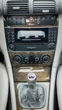 Interior alemão luxuoso do carro, alavanca de engrenagem 6, controle de temperatura, unidade do painel Imagem de Stock