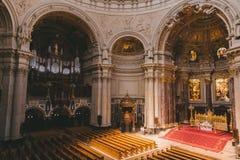 interior antigo bonito da catedral dos DOM do berlinês em Berlim, Alemanha Fotografia de Stock Royalty Free