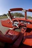 Interior auto de cuero rojo Foto de archivo