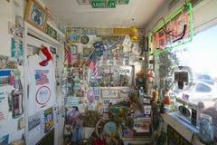 Interior av det gammala motell för Route 66 arkivbilder