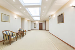 Interior av en hotelllobby Royaltyfria Bilder