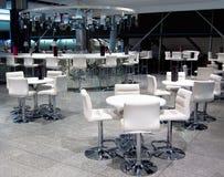 Interior av modernt kaffe Royaltyfria Foton
