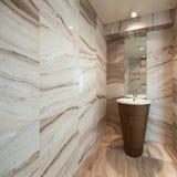 Interior, banheiro de mármore imagem de stock