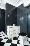 Interior of black and white bathroom Royalty Free Stock Photos