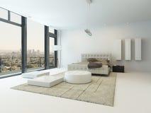 Interior blanco puro del dormitorio con la cama gigante Fotografía de archivo