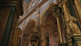Interior bonito da igreja de Bernardine filme