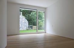 Interior bonito de uma casa moderna foto de stock